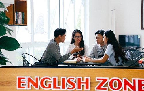 English Zone Club
