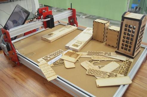 Những sản phẩm từ máy CNC chạm khắc bằng laser trên gỗ
